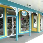 Showcase Gallery and Beads