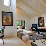 High-ceilings in the gorgeous living room with reading nook