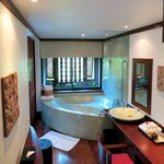 La Residence d'Angkor - spacious, luxurious bathroom in Room #8