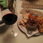 Wine & goat cheese spread