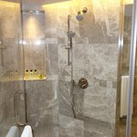 Shower Booth (Premier Harbour View Suite)