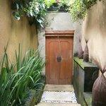 Bumi 4 front door/entrance