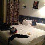Mahusive bed