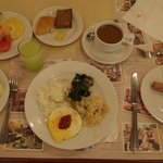 ツインタワーズホテルの朝食ビュッフェ