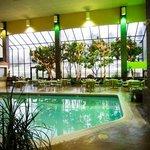 Foto de Harrison Plaza Suite Hotel
