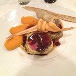 Plat: Pigeon farci au foie gras, purée de carotte