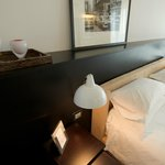 Nosso quarto, adorei a cama comfortavel e os moveis modernos