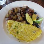 Ham and gruyere omelet, homefries, and fresh fruit