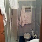 El baño impecable y con todo funcionando correctamente