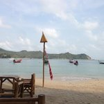 beach in front of Baan Panburi