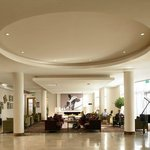 \\\\\hotel Lobby