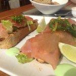 Sashimi-Thunfisch-Sandwich