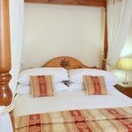Telford Suite, Four Poster