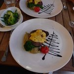 Prime rib, truffle mash, fresh vege and Bearnaise, Yum!