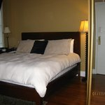 Suite with King sized bed, spacious and beautiful