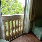 Окна превращающие комнату в огромный балкон - по-моему очень романтично!