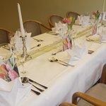 Tischgestaltung für Geburtstagsfeier