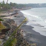 Strand wechselnd zwischen schwarz und weiss