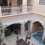 Raid Lorsya courtyard