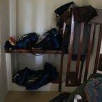 Der Schrank und Garderobe
