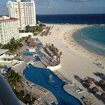 parte de las áreas del hotel y la playa