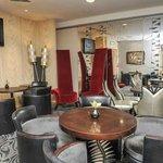 Symak Lounge Bar area