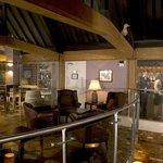 Bar and Laroche