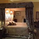 Four Poster Bed Room 25