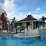 Restaurant by the pool (best Nachos!)