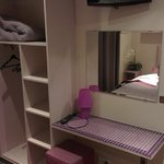 Dressing/table d'appoint/TV