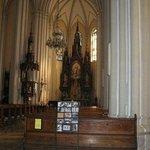 De binnenzijde van de kerk