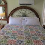 Melbourne room King Sun bed
