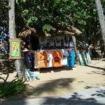 Entre la plage et la piscine quelques boutiques