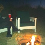 Wine, cozy firepit and the sound of the ocean!