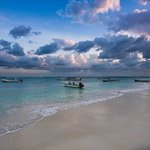 Boats for fishing and diving in Akumal Bay!
