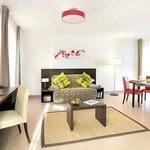 Park&Suites Village Bois d'Arcy - 1-bedroom Villa Living Room