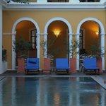 swimming pool with coffee bar