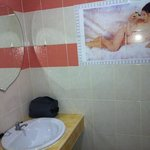 bathroom with nice picture ;)