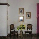 Detalle de las paredes del salón.