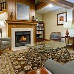 CountryInn&Suites Millville  Lobby