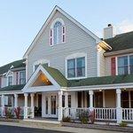 CountryInn&Suites Millville  ExteriorDay