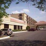 McAllen Grand Plaza Hotel