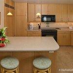 1BR_GV_Kitchen1607