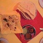 pappad and naan with garlic