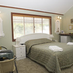 All rooms have ensuites,airconditioning,fridges,tea and coffee,TV,DVD players,