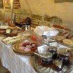 A nice buffet breakfast spread