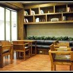 Decor--Bookshelves