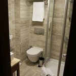 Salle de bains depuis la chambre