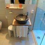 bagno con doccia cromoterapica