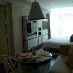 GrandDeluxe livingroom